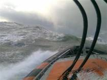KNRM Vlieland oefent in storm