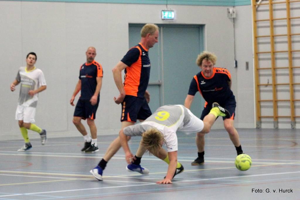 V.d. Bij scoorde drie keer maar dat was niet genoeg tijdens de wedstrijd Oosterhof/Holman – Broodje Nuchter.