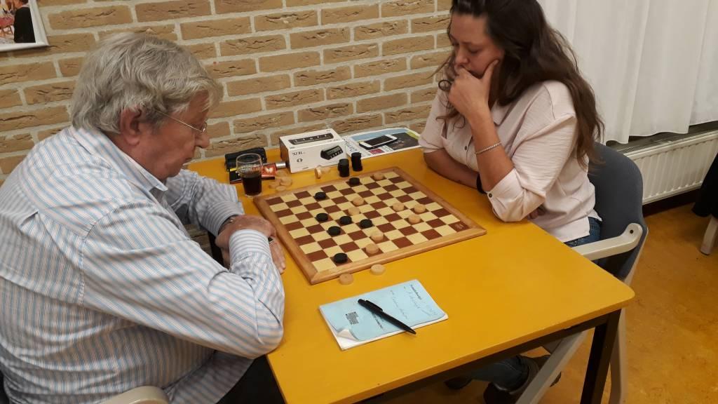 Suzanne de Jong bezorgde Kor Vrieswijk een zware avond.