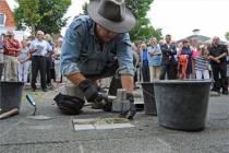 Struikelstenen brengen Joodse namen terug in Harlingen