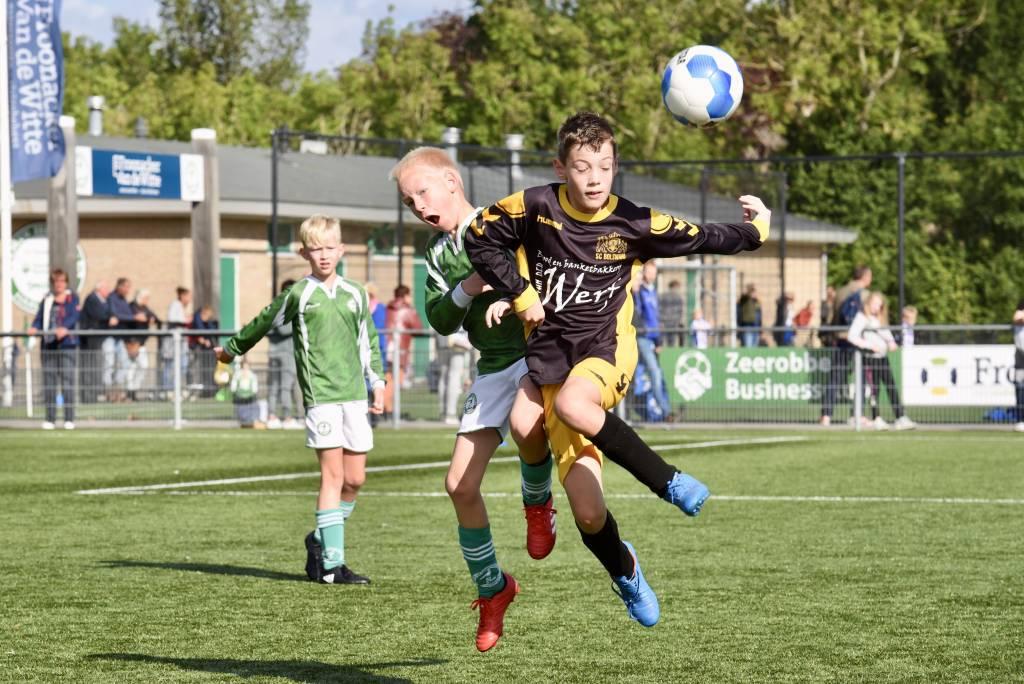 JO12-2 begon de competitie overtuigend met een 14-1 overwinning op sc Bolsward.(Foto: Frans Bode)