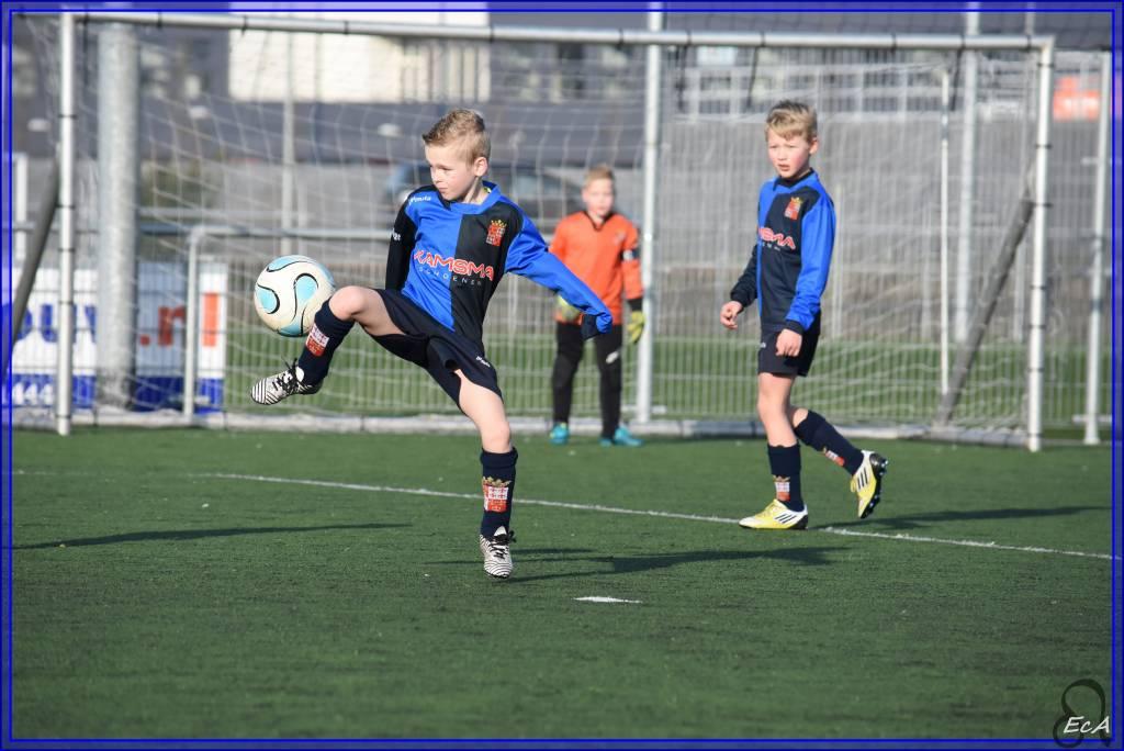 Vooruitgang is al goed te zien bij fc Harlingen JO10-1. Voetballen met inzet maar vooral ook heel veel plezier.