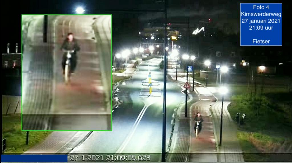 Politie zoekt hulp bij onderzoek autobranden De politie heeft camerabeelden gepubliceerd in het onderzoek naar d....