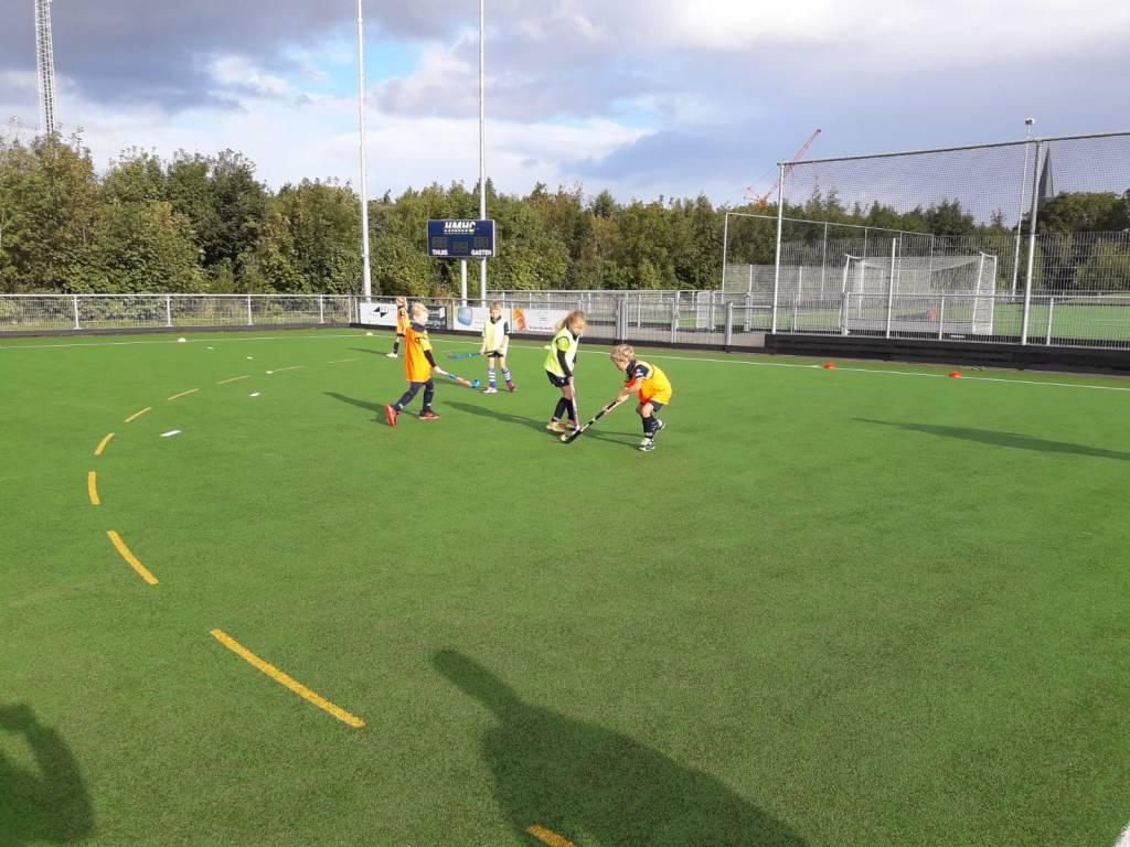 Onderlinge wedstrijdjes van de F-jeugd.