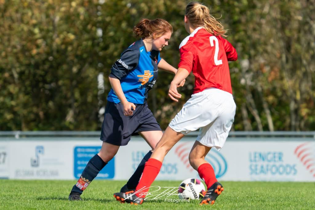 De Vrouwen 1 van fc Harlingen namen het in een thuiswedstrijd op tegen Mulier VR1. (Foto: P. IJdema)