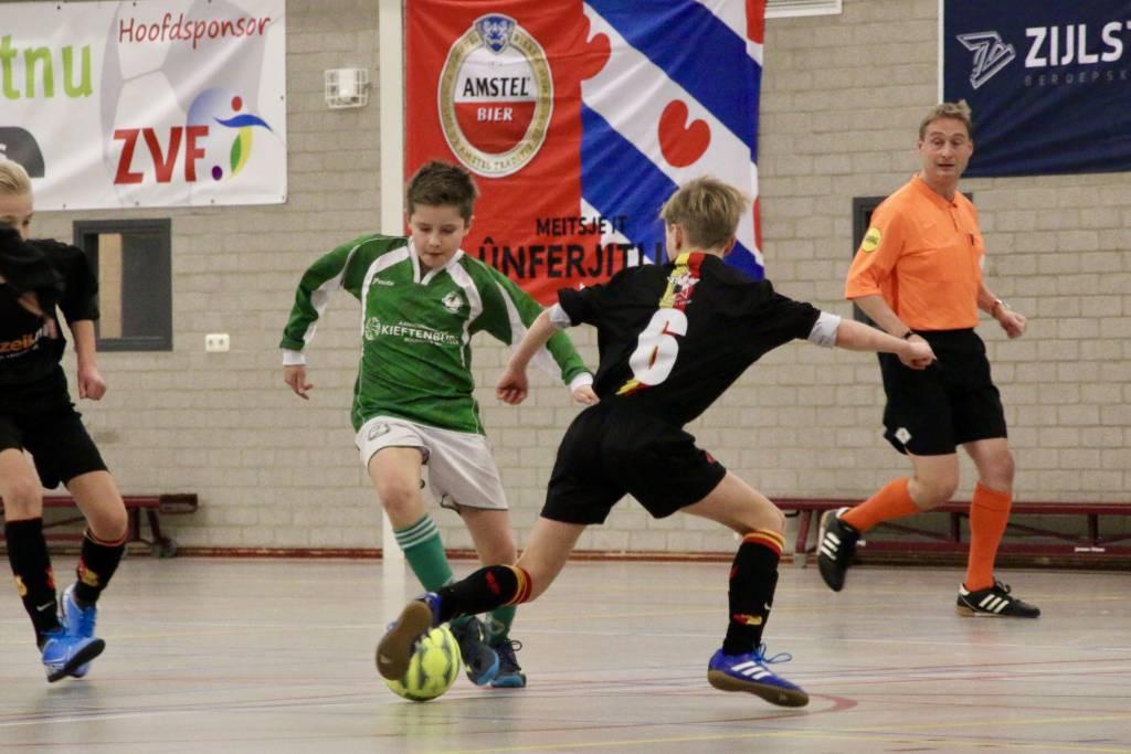 Zeerobben JO13-1 werd in de poulefase uitgeschakeld op de finaledag te Franeker. (Foto: H. Kuperus)