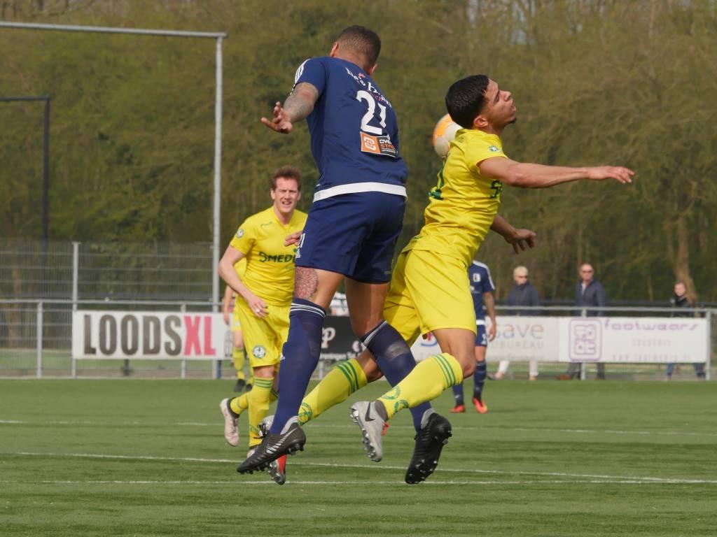 Met een assist en een doelpunt had Higor da Silva een belangrijk aandeel in de overwinning van Zeerobben in Groningen.(Foto: Bert Drent)