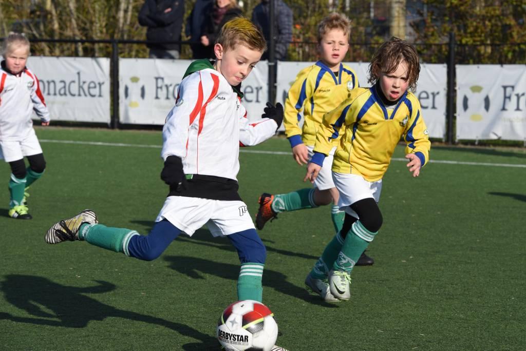 Morgen om negen uur weer voetbal van de Waddenrobkes bij Zeerobben. (Foto: Frans Bode)