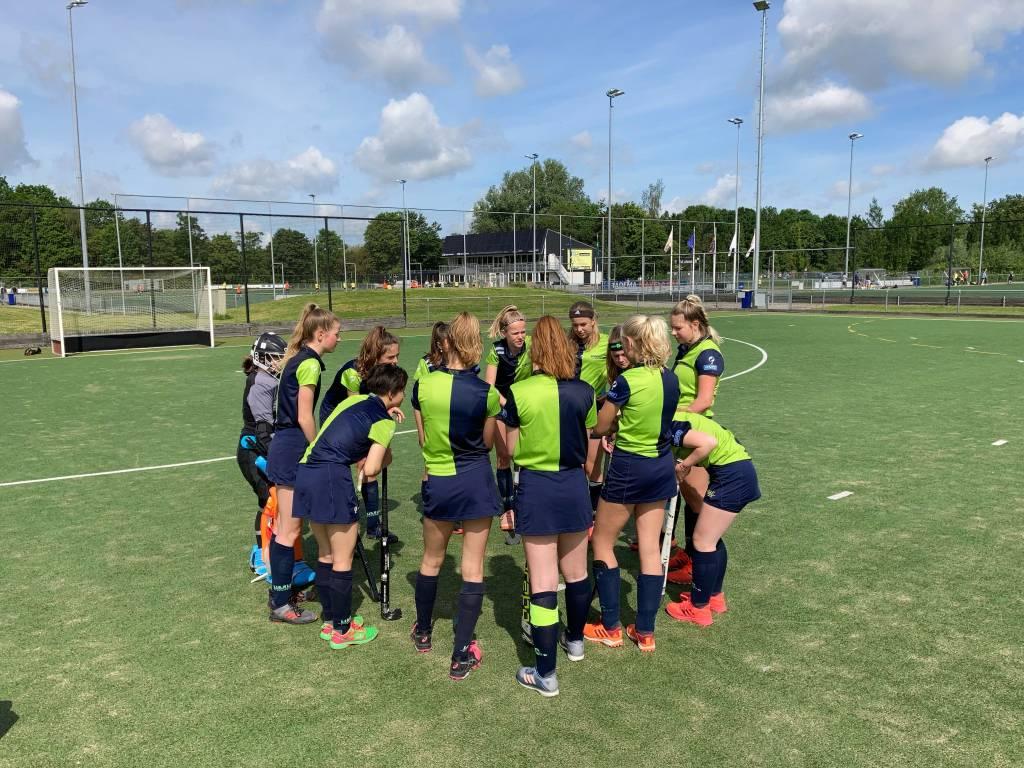 MB1 bereidt zich voor op hun wedstrijd tegen Leeuwarden.