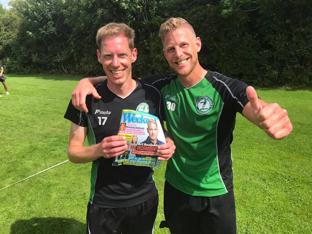 """Jacob de Vries (l) en Jouke Bosje wonnen verrassend een """"Weekend"""" voor het hele team."""