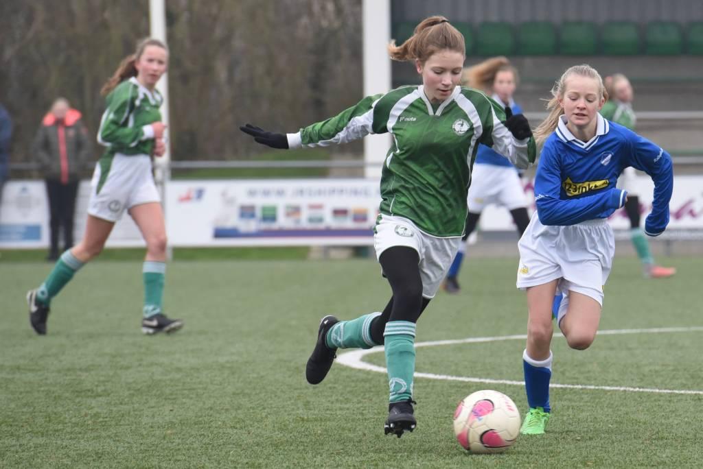Bij de meisjes gaan zaterdag twee teams weer van start. Zowel MO11-1 als MO15-1 spelen een thuiswedstrijd. (Foto: Frans Bode)