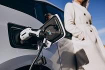 Stormloop op kleine elektrische stadauto's