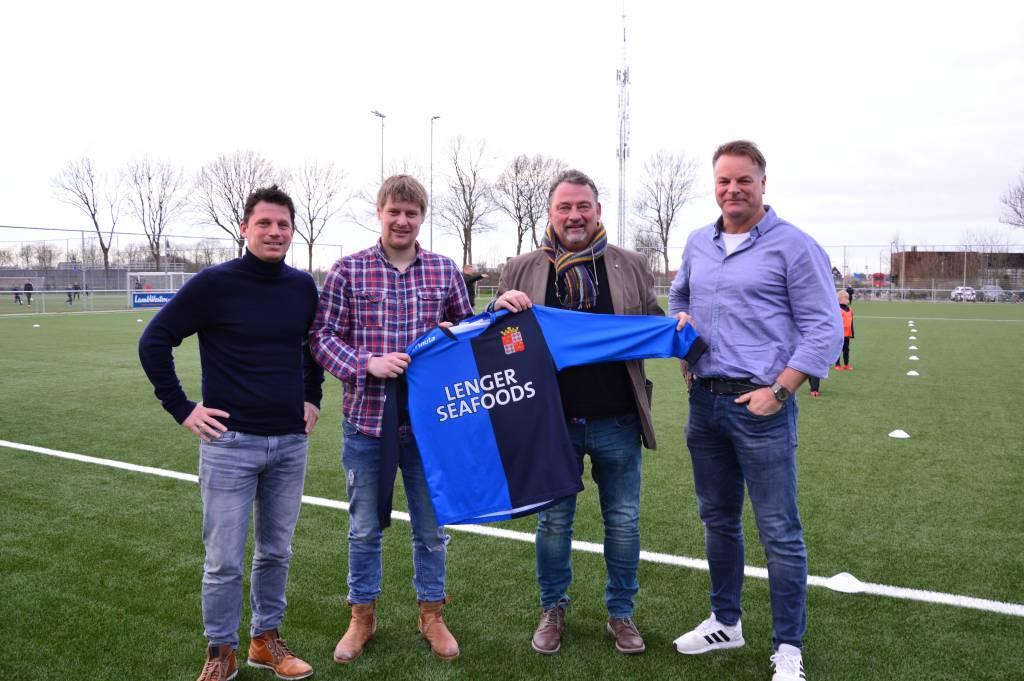 Vlnr: Bestuurslid Hilko Mulder, hoofdtrainer Steffen Hansma, assistent trainer/speler Barry Hamstra en bestuurslid Erik Zandberg.