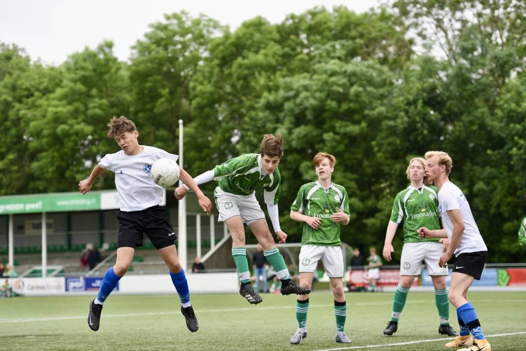 Afgelopen zaterdag alweer de derde ronde van de regiocup. JO17-1 won met 2-0 van L. Zwaluwen. (Foto: Frans Bode)